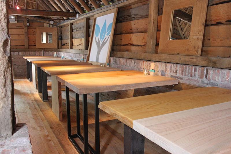 Nederlands hout is prachtig hout lokaalhout van eigen for Tafels overzicht